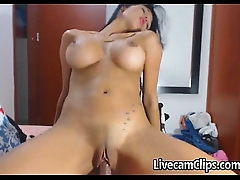 Amateur Webcam Super Hot Latina Stripping!