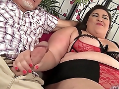 BBW Bella Bendz takes 2 cocks
