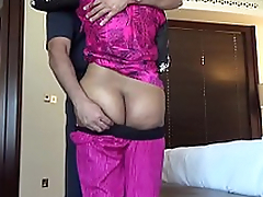 Shacking up an Indian Aunty #2 - HornySlutCams.com