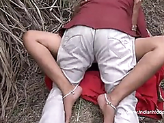 Desi Aunty Caught Fucking Outdoor - IndianHiddenCams.com