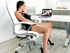 Secretary Rachel Starr masturbates while watching XXX team of two at work