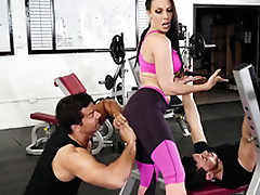 Gym visitor touches Rachel Starr's ass hinting at XXX lark